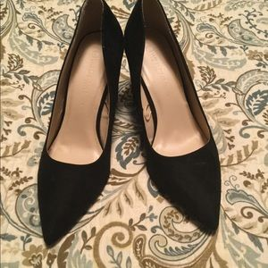 Black Block Pumps